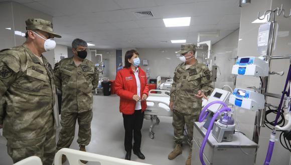 La titular del Minsa visitó el Hospital Naval. (Foto: Minsa)