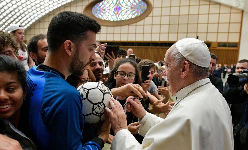 El Papa Francisco es hincha de San Lorenzo de Argentina. | Foto: EFE