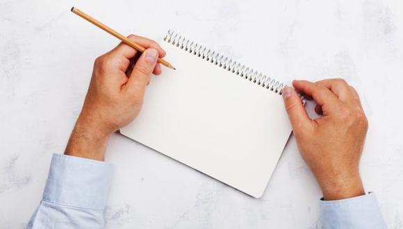 En el pasado, a muchos zurdos los obligaban a escribir con la mano derecha.