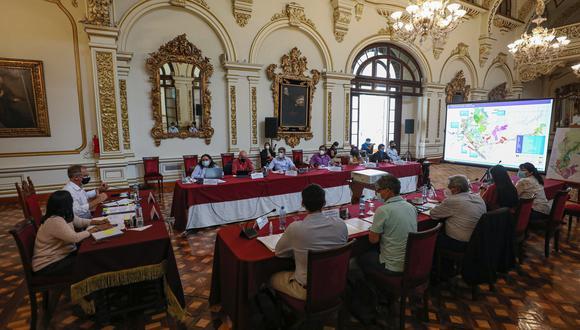 La semana pasada, los ministros Fernández, Neyra, Quijandría y el alcalde de Lima, Jorge Muñoz, se reunieron en la comuna capitalina para abordar los cuestionamientos que pesan sobre el RIZ de Lurín. (Foto: MML)