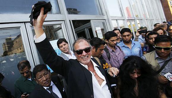 Rafo León absuelto: su columna no califica como ilícito penal