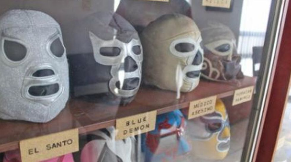 México: El coleccionista de la lucha libre que tiene 2 mil 500 máscaras originales (Foto: El Universal de México)
