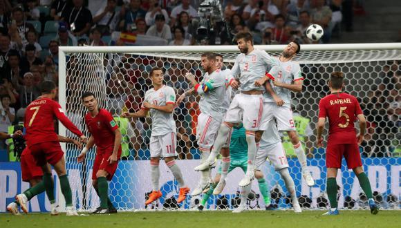 Cristiano Ronaldo marcó un golazo de tiro libre en el España vs. Portugal. (Foto: Reuters)