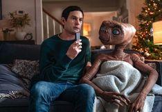E.T. se reencuentra con Elliot en comercial de televisión | VIDEO