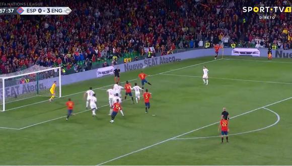 El efecto Paco Alcácer sigue vigente. Tuvo que salir de la banca de suplentes para poner el 1-3 a favor de España sobre Inglaterra, por la UEFA Nations League. (Foto: captura de video)