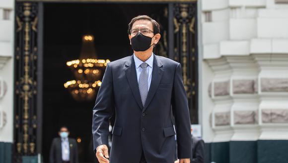 Carlos Almerí dijo que el expresidente Martín Vizcarra deberá asistir en forma presencial en el Congreso. Foto: GEC
