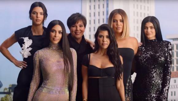 Kris Jenner y sus hijas. (Captura: YouTube)