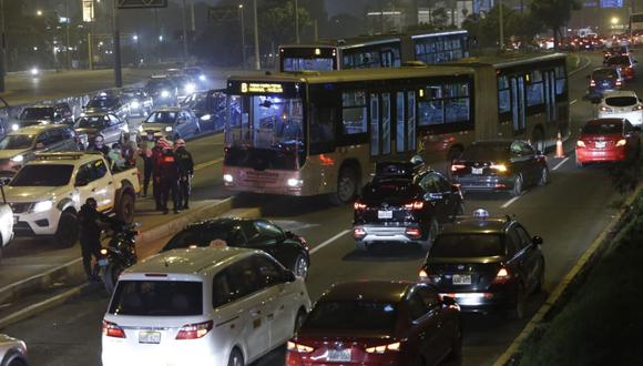 El hecho ocurrió a la altura del centro comercial Polvos Azules. (Foto : Jorge Cerdan/@photo.gec)