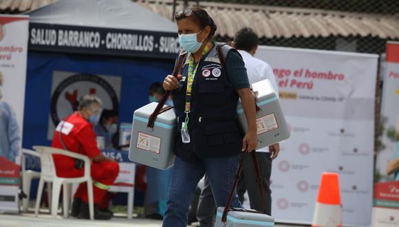 El proceso de vacunación comenzó el martes 9 de febrero en los principales centros de salud en Lima y Callao. (Foto: Britanie Arroyo/@photo.gec)