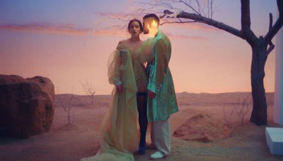"""Bad Bunny y Rosalía estrenan videoclip de """"La noche de anoche"""", su última colaboración. (Foto: Captura YouTube)."""