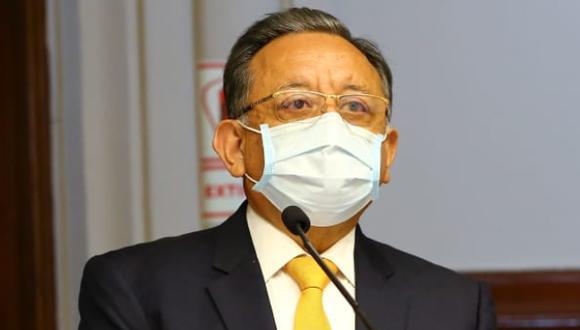 Edgar Alarcón se presentó ante el pleno a pesar de que pidió reprogramar la sesión por cambio en su defensa. (Foto: Congreso)