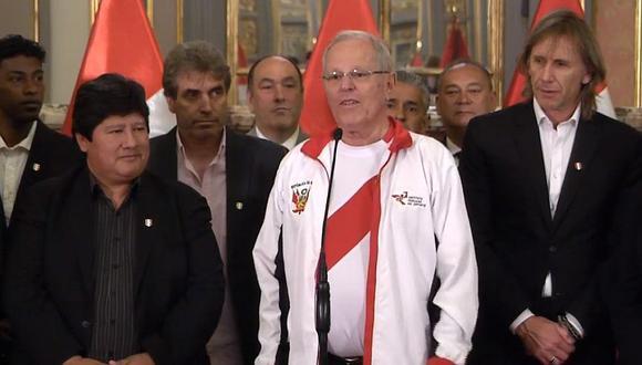 PPK recibió y felicitó a los jugadores de la selección peruana, así como al entrenador Ricardo Gareca en Palacio de Gobierno. (Facebook)