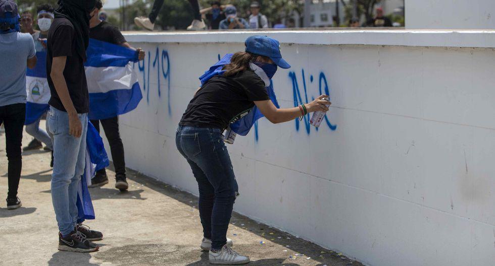 Por lo menos 325 personas han muerto en las protestas y por la represión del gobierno, dijo la Comisión Interamericana de Derechos Humanos. (Foto: EFE)