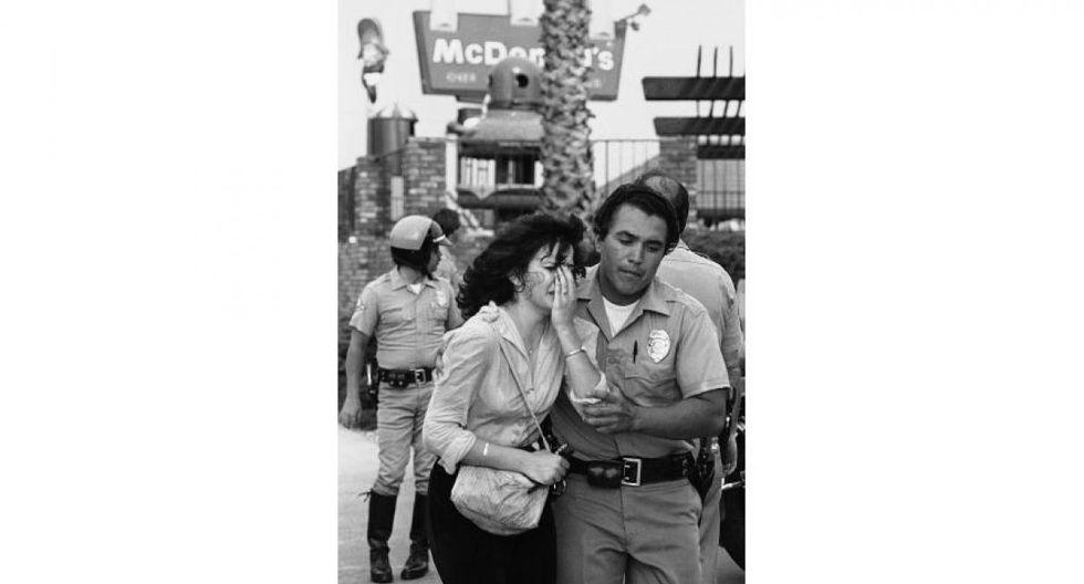 ► 18 de julio de 1984 | Un guardia de seguridad identificado como James Oliver Huberty abrió fuego en un restaurante McDonald's de California. Murieron 21 personas, incluidos varios niños. El agresor fue reducido por la policía. (Foto: Captura)