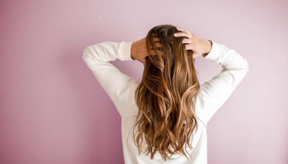 Hay muchos factores que pueden dañar tu cabello y quitarle la fuerza.  (Foto: Element5 Digital / Pexels)