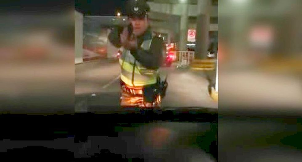 Chile | Carabinero dispara a chofer de Uber que intentó atropellarlo para evitar operativo. (Foto: Captura)