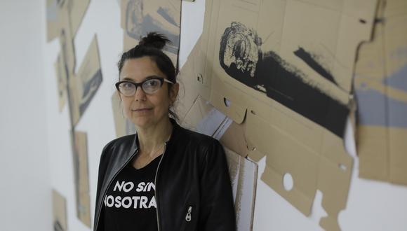 En su más reciente individual, la reconocida artista visual expone un trabajo que nace de la intervención en el espacio público. Se presenta en Vigil Gonzales Galería. (Foto: Anthony Niño de Guzmán)