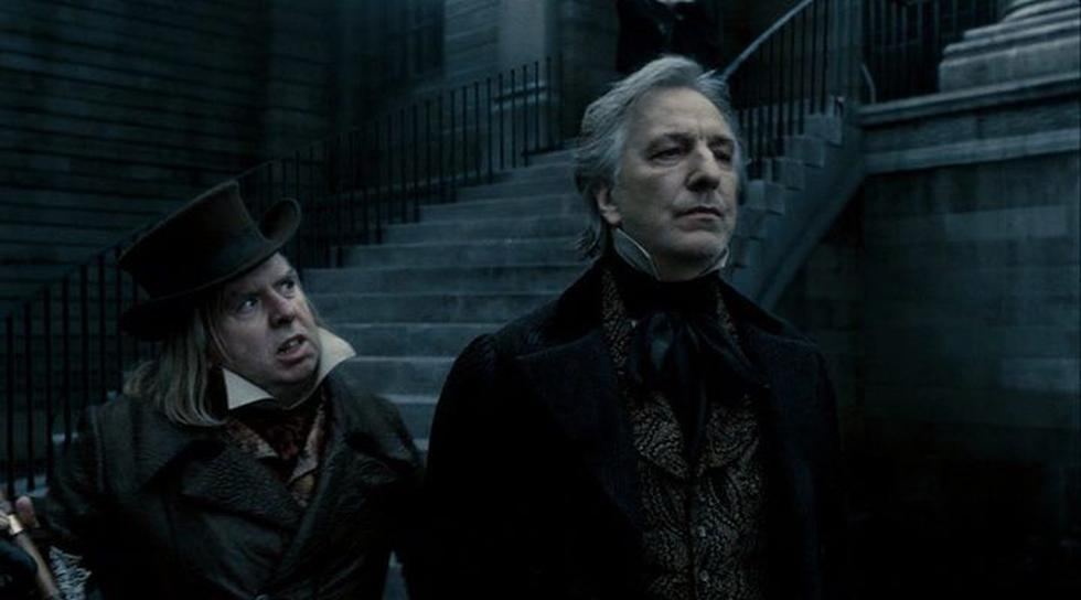 The British actor shares roles with Johnny Depp. In Tim Burton's tape, he is a judge who unfairly imprisons the barber with one low goal: to stay with his wife and daughter. (Photo: Screenshot)