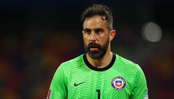 Claudio Bravo, arquero y capitán de Chile. REUTERS/Agustin Marcarian