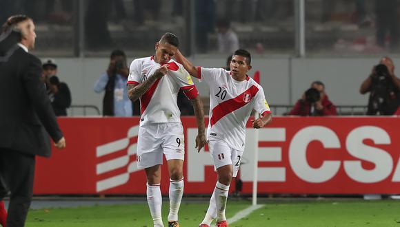 Paolo Guerrero celebran su gol ante Colombia. (Foto: EFE)