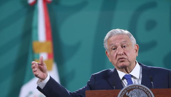 El presidente de México, Andrés Manuel López Obrador, habla durante su conferencia de prensa matutina en el Palacio Nacional, en Ciudad de México. (EFE/ Sáshenka Gutiérrez/Archivo).