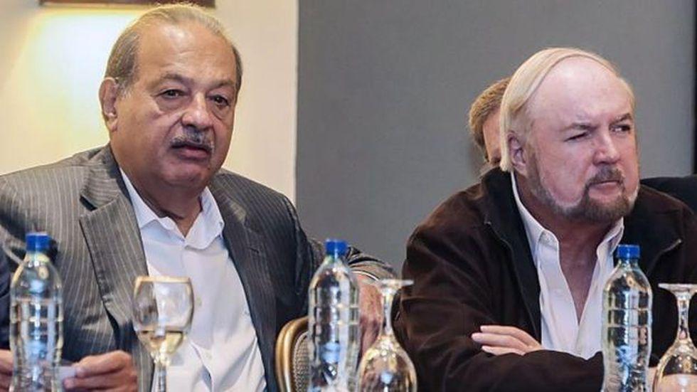 El mexicano Carlos Slim, uno de los hombres más ricos del mundo, junto al milmillonario nicaragüense Carlos Pellas. (Foto: AFP)
