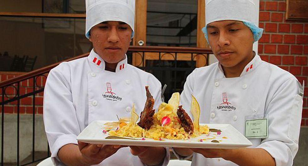 Plato de cuy confitado triunfó en concurso de comida en Cañete