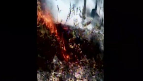 Las autoridades hacen todo lo posible para evitar que las llamas continúen expandiéndose. (Foto: Captura/Canal N)