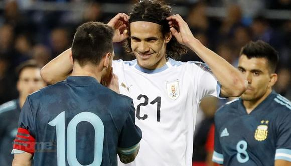 Lionel Messi casi se va alas manos con Edinson Cavani en 'amistoso' con Uruguay en el 2019. (Foto: Agencias)