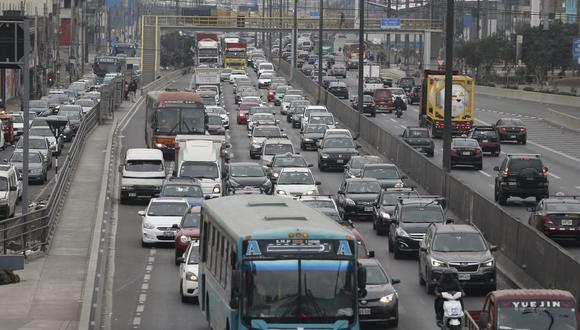 Se registra una gran congestión vehicular en la Panamericana Norte, en ambos sentidos norte y sur y viceversa | Foto :Jorge Cerdan/@photo.gec