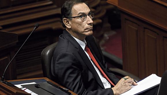 Bancadas parlamentarias esperan informe de la Controlaría para decidir destino de Martín Vizcarra. (Foto: Alessandro Currarino / El Comercio)