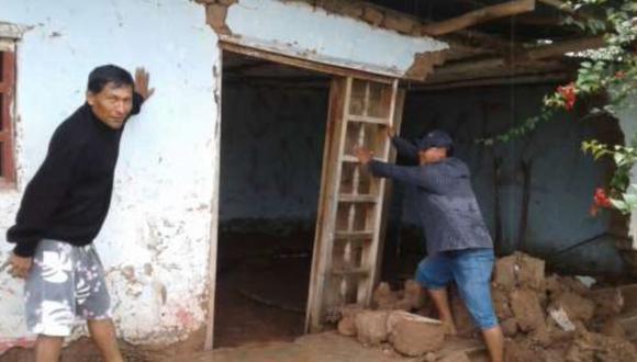 El siniestro dejó además 10 familias afectadas y causó la inundación de extensas áreas de cultivo (Foto: Andina)