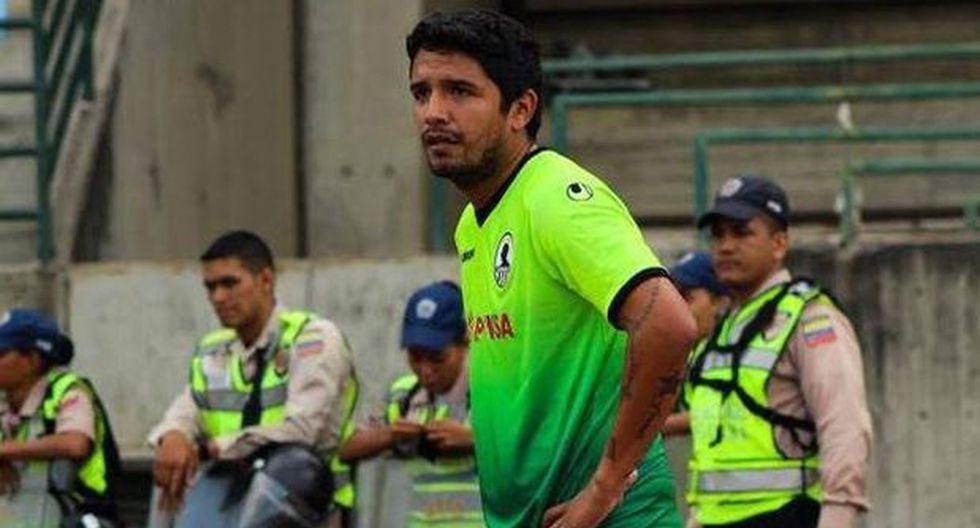 Manco regresó al Perú y reveló el club en el que podría jugar
