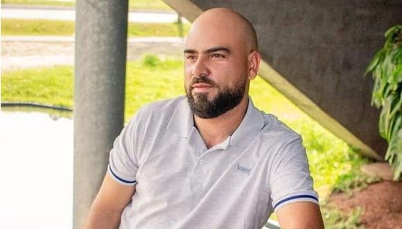 Como del grifo del tonel salía espuma, el cumpleañero Gilson do Nascimento intentó repararlo por cuenta propia, pero el aparato explotó y sufrió heridas letales en su cabeza.