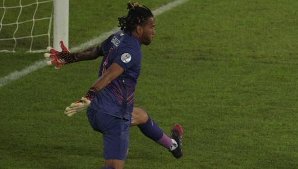 Pedro Gallese lamentó la goleada que recibió Perú ante Brasil. (Foto: AFP)