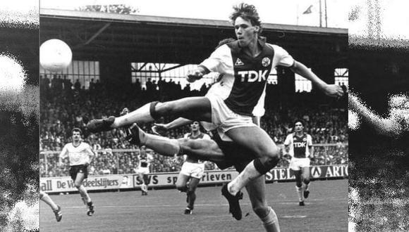 Van Basten como jugador del Ajax. (Foto: Instagram Marco Van Basten)