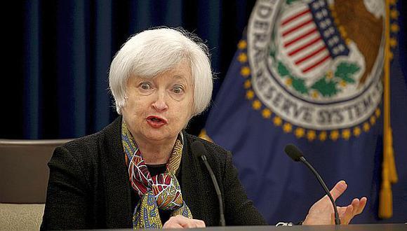 La FED subiría tasas de interés dos veces este año, dice sondeo