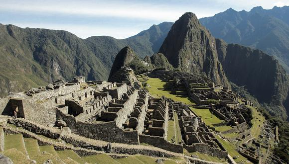 General view of the Inca citadel of Machu Picchu in Cuzco, Peru, 23th June 2007. Machu Picchu is among the leading contenders to be the new seven wonders of the world. The seven winners will be announced July 7th, 2007 in Lisbon, Portugal.AFP PHOTO/Eitan ABRAMOVICH