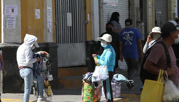 """Si bien desde el 1 de julio Lima Metropolitana y otras 18 regiones del país empezaron el período de """"convivencia"""" con el virus, el gobierno conservó el confinamiento en varios departamentos del país. (Foto: Archivo)"""