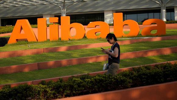 El pasado 14 de diciembre, el regulador del mercado chino anunció la imposición de multas por importe de 500.000 yuanes (US$76.502, 62.644 euros) tanto a Alibaba como a Tencent por no cumplir con los procedimientos antimonopolísticos en la adquisición de otras empresas. (Archivo / Reuters)