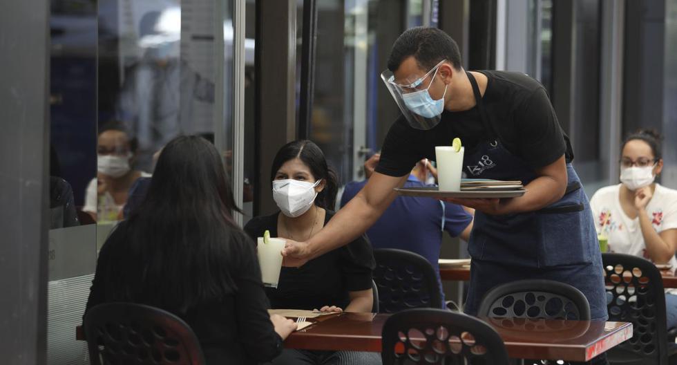 Restaurantes pueden atender con un aforo al 50%. (Foto: Britanie Arroyo/ GEC)