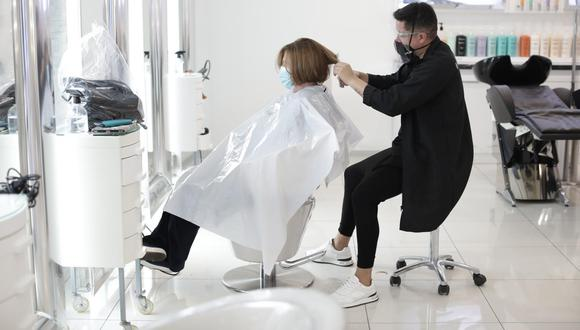 El rubro de peluquerías no están dentro de las actividades que atenderán en cuarentena. (Foto: GEC)
