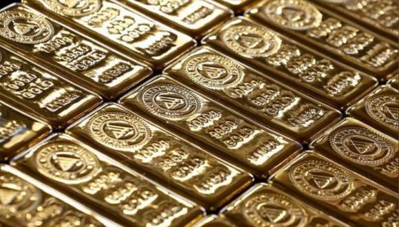 El precio del oro cae en la apertura del lunes. (Foto: Reuters)