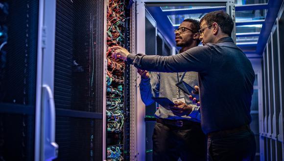 Los servicios de telecomunicaciones e informática tuvieron en el 2019 un crecimiento promedio similar al reportado en el 2018.  (Foto: iStock)