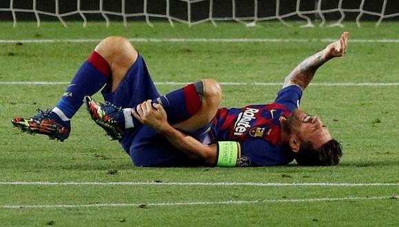 Lionel Messi terminó el partido contra Napoli con molestias, pero no es duda para los cuartos de Champions League. (Foto: Reuters)