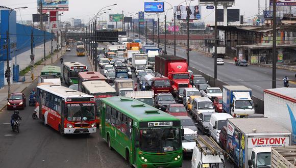 Gremio de transportistas anunció para este martes una paralización en el servicio debido a reducción de ingresos (Foto: Hugo Curotto).