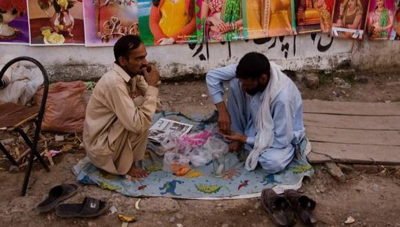 Dos iraníes reciben 80 latigazos por comer durante el Ramadán