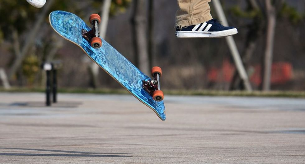 Un policía estadounidense sorprendió a un grupo de niños al realizar una maniobra con un 'skate' | Foto: Pixabay / Santa3 / Referencial