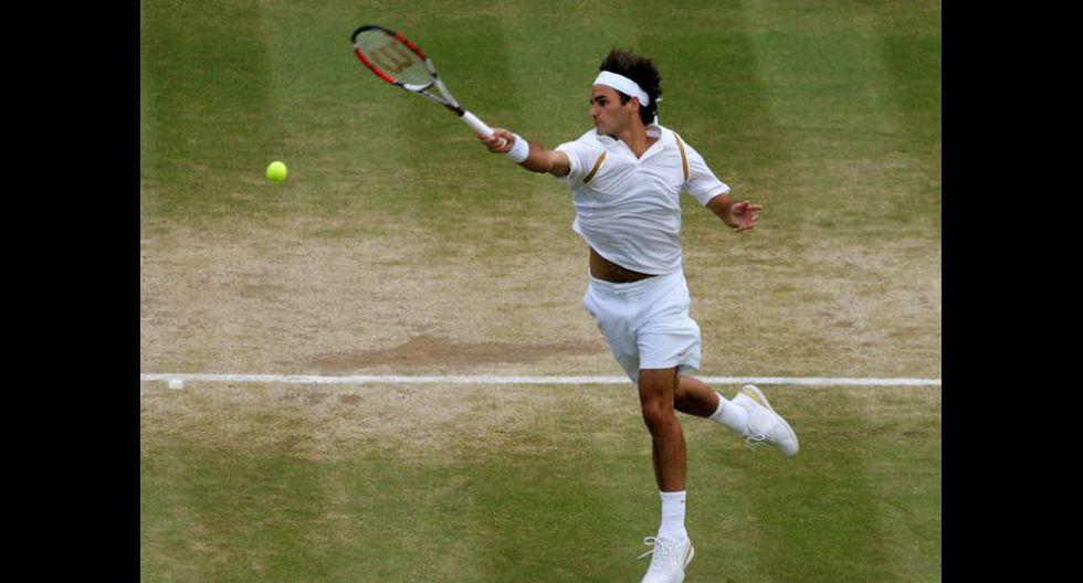 Roger Federer ganó su quinto Wimbledon al vencer a Nadal en cinco set y tras cuatro horas de juego. (Foto: AFP/Reuters)