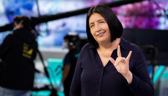 """""""Estudiar el lenguaje de señas me ayudó mucho como persona porque pude entender y aprender de una comunidad"""", dice Isabel Rey, que decidió dedicarse a la interpretación del lenguaje de señas a los 18 años. (Foto: Difusión)"""